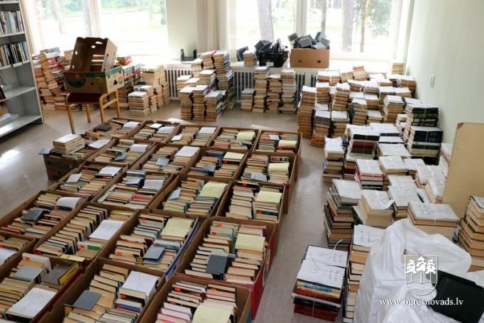 """Piektdien, 26. Jūlijā OCB Organizē """"grāmatu ķēdi"""""""