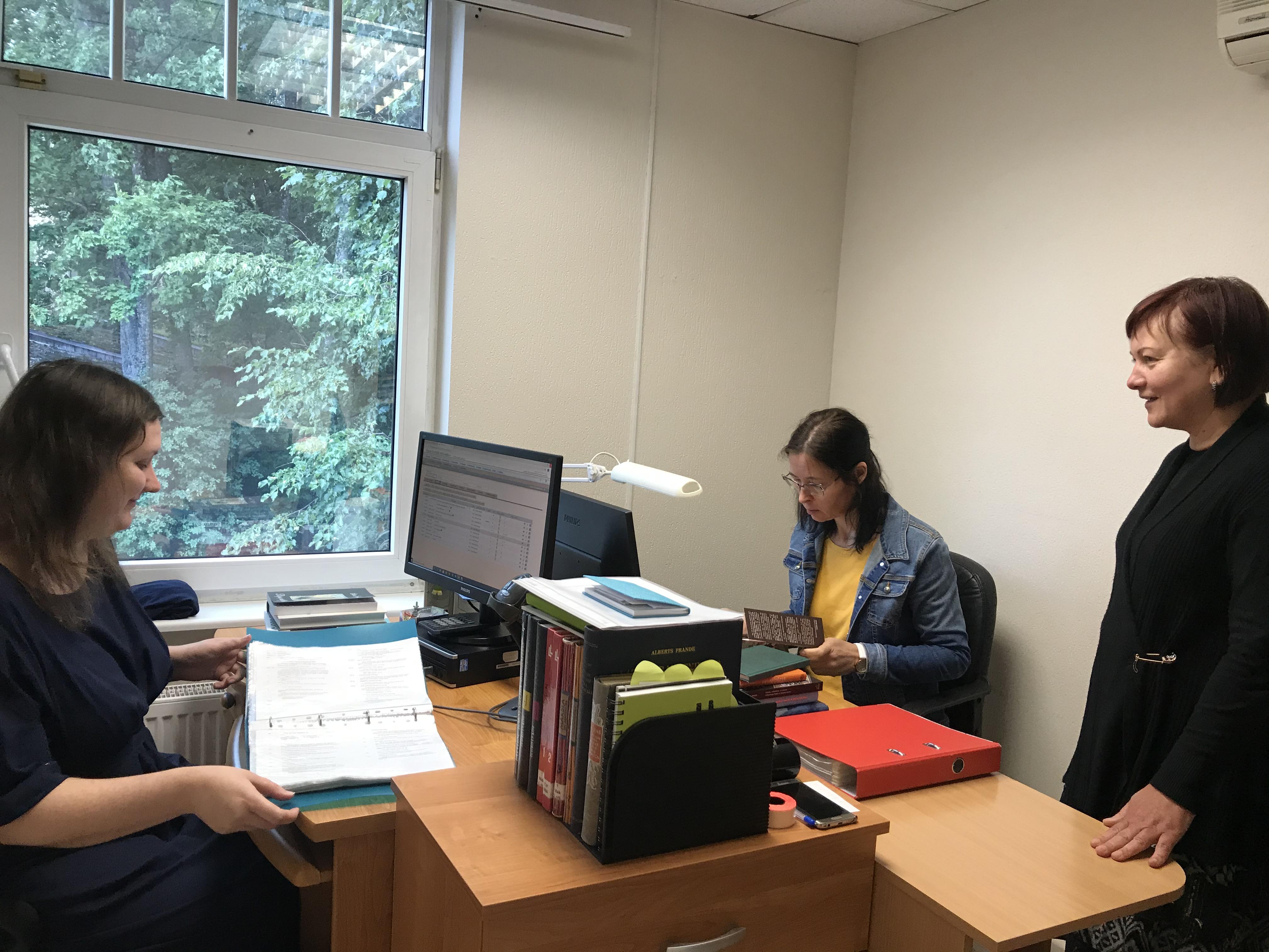 Ogres Centrālā Bibliotēka Nodrošina Profesionālās Kvalifikācijas Praksi